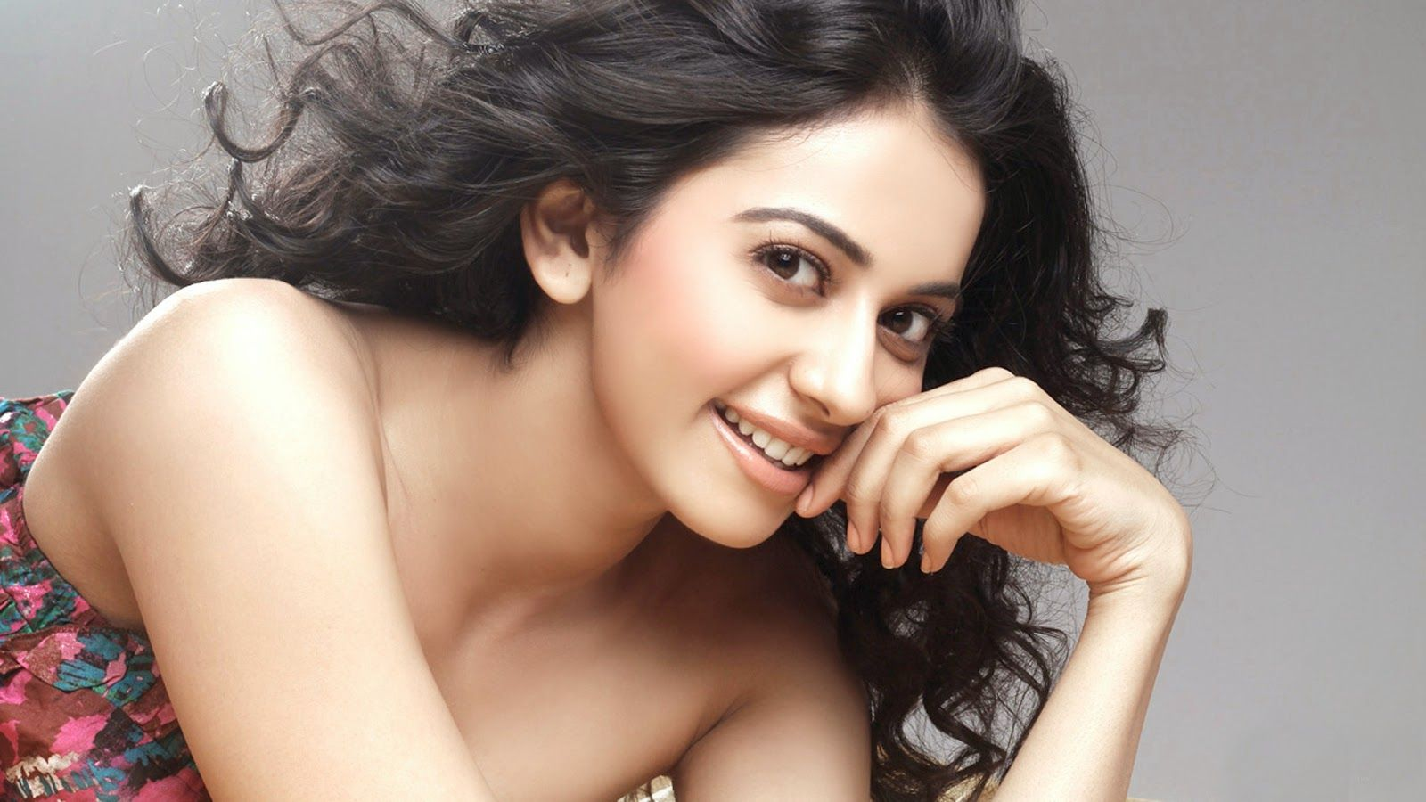 Hd wallpaper yaariyan - Yaariyan Movie Actres Rakul Preet Singh Images And Wallpapers