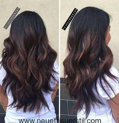 Schicke Wellig Lange Dunkle Haare Langhaarfrisuren Haarschnitt Lange Haare