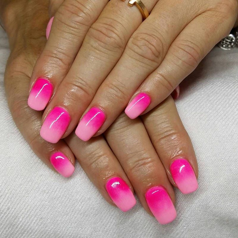 How To Do Ombre Nail Polish: Two Shades Of Pink Ombre Nails