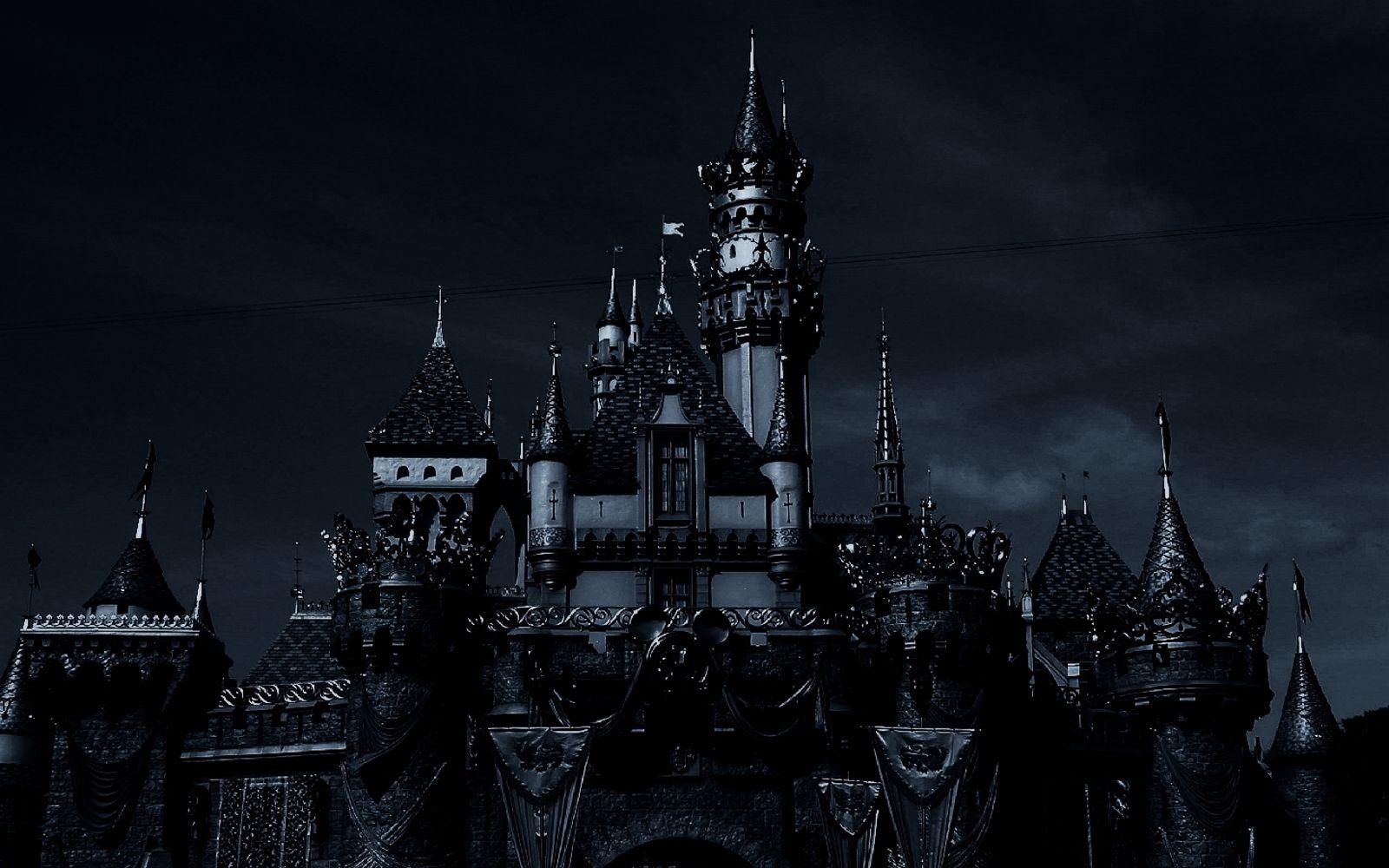 Pin By Mark On Crusnik Vampires Dark Castle Gothic Pictures Fantasy Castle