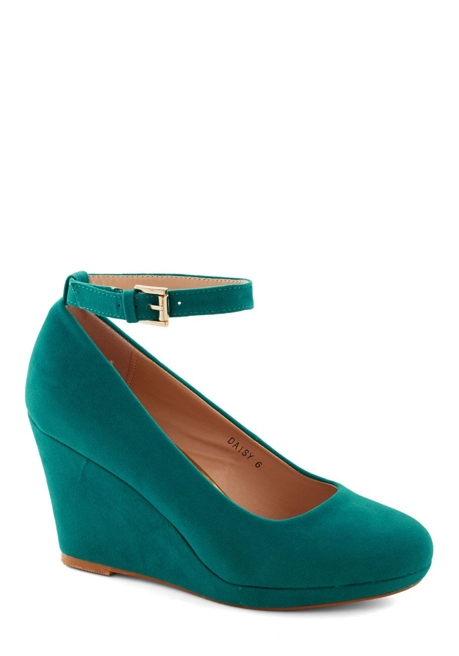 60s Eve Mad For Mod Block Heel Pumps in Grass Green