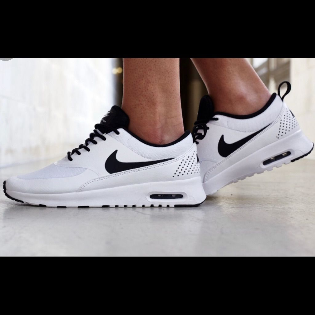 Nike Shoes | White Nike Air Max Thea Size 9. | Color: Black