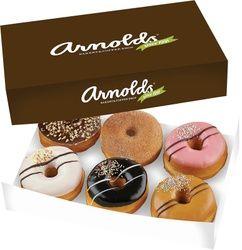 Original 6-pack, 13 €. Sommittele laatikkoon kuusi vapaavalintaista Original-donitsia. Norm. 15 €. Arnold's Bakery & Coffee Shop, E-taso.