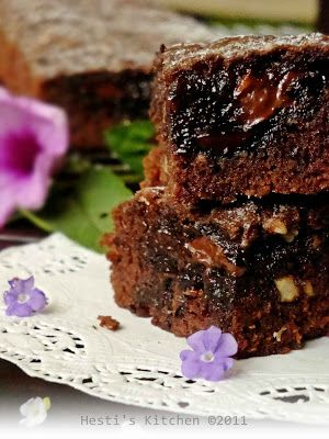 Hesti S Kitchen Yummy For Your Tummy Chocolate Melt Brownies Agogo Makanan Ringan Manis Makanan Memanggang Kue