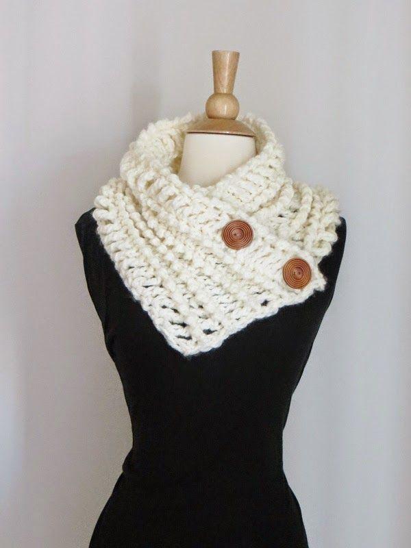 Diana Buttoned Cowl,Free Chunky Cowl Crochet Pattern (Crochet Dreamz ...
