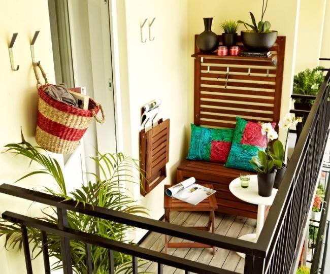 balkon gestalten ideen klappstühle wandhaken alte garderobe, Garten und erstellen