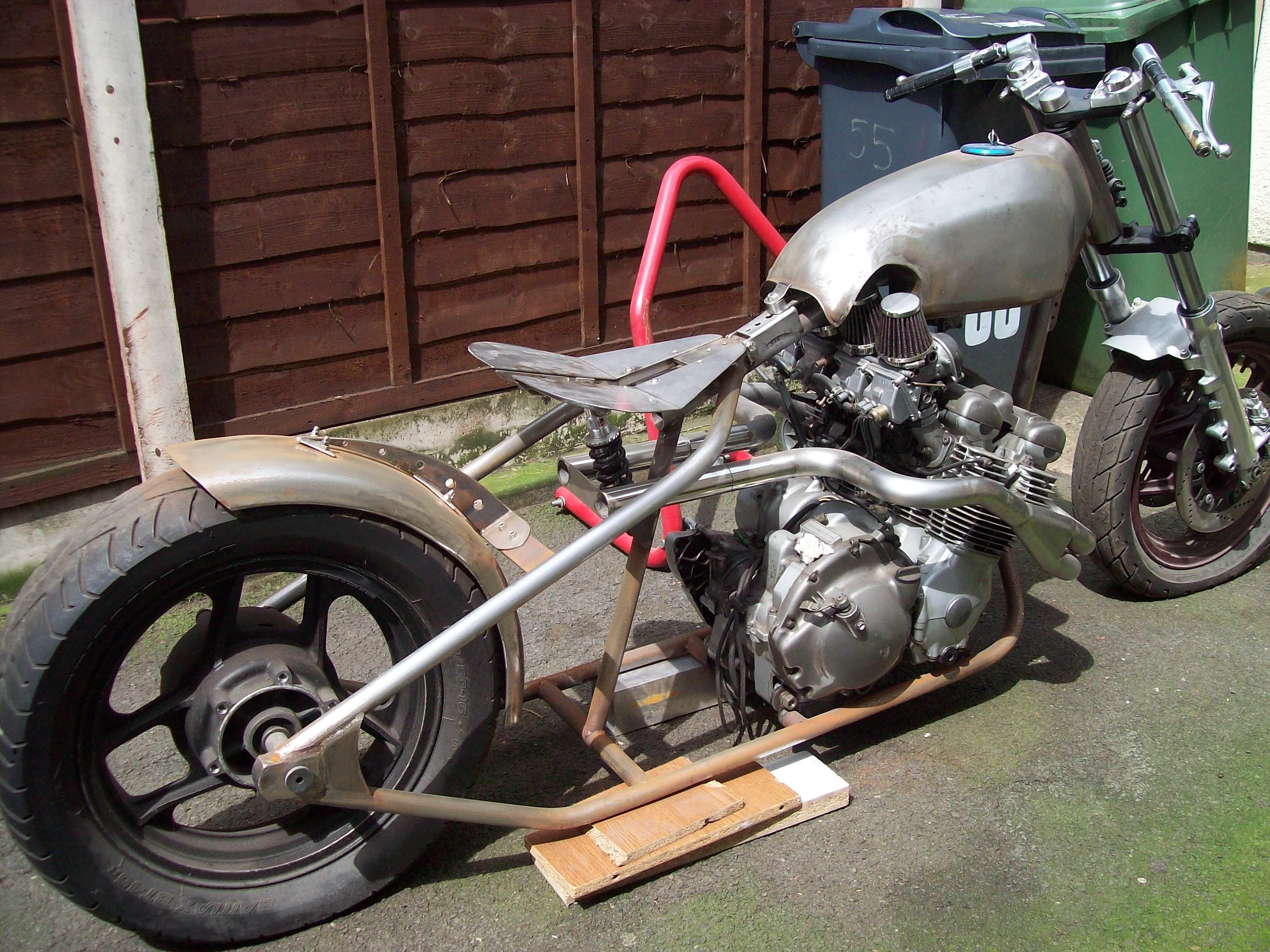 my bobber build. yam diversion 600 engine, kwaka gpz forks and