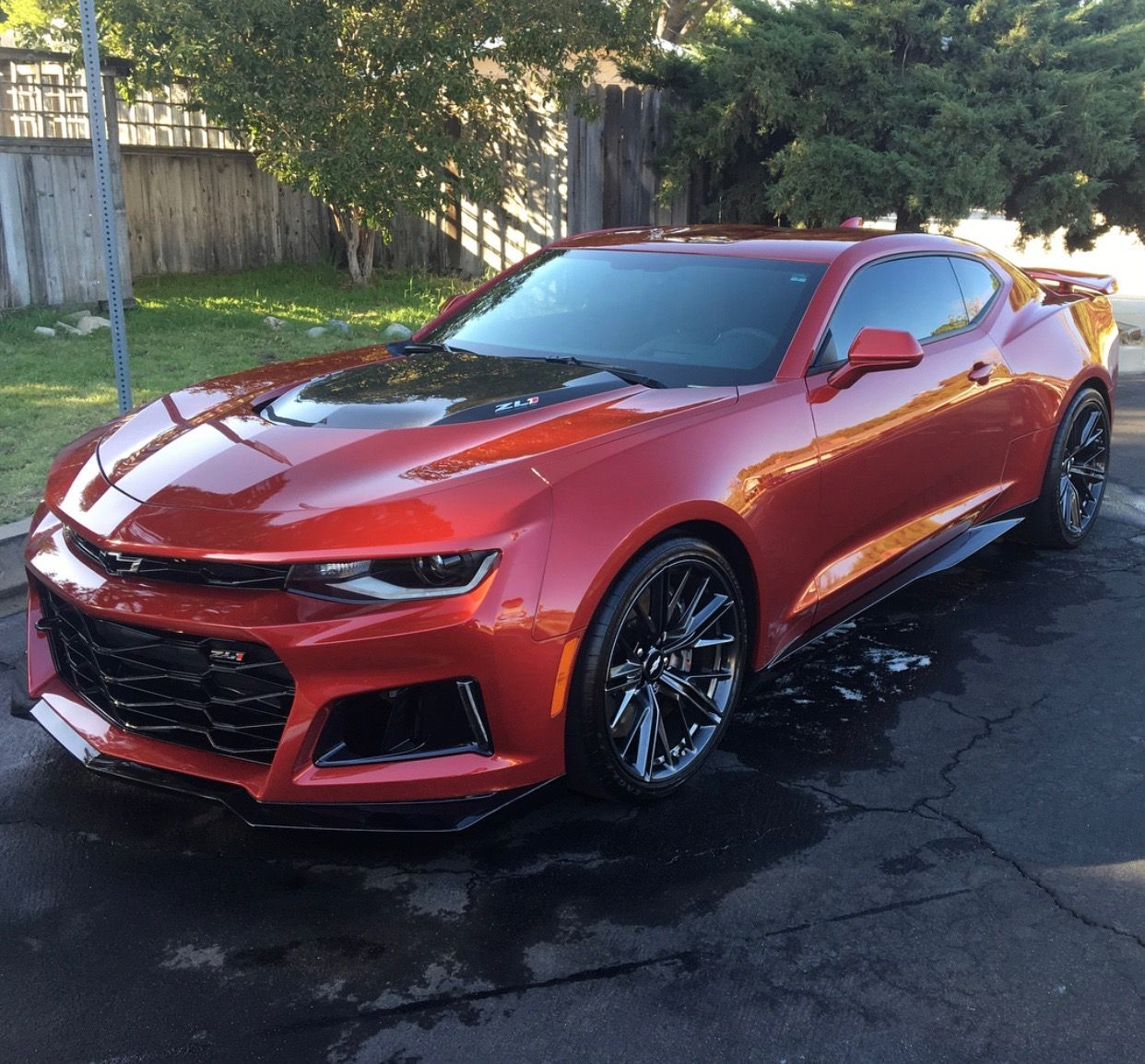 Chevrolet Camaro ZL1 painted in Garnet Red Photo taken by: @zl1_tommy on  Instagram
