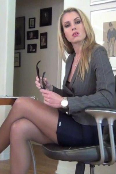 Blonde anal actress
