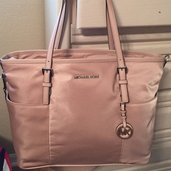 michael kors baby diaper bag in pink nylon nwt jet set diaper bag and diapers. Black Bedroom Furniture Sets. Home Design Ideas