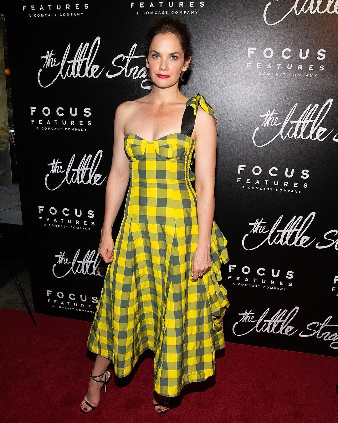 RuthWilson on the red carpet at the