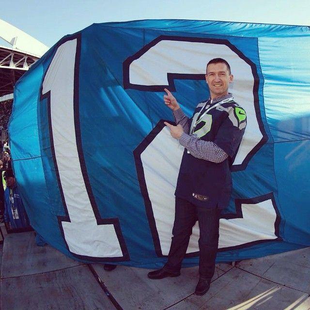 John Olerud moments before raising the  Seahawks  12thMan flag.  GoHawks   GoMariners 41eede5d0