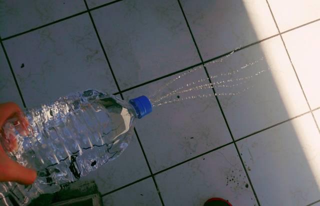 水鉄砲 ペット ボトル