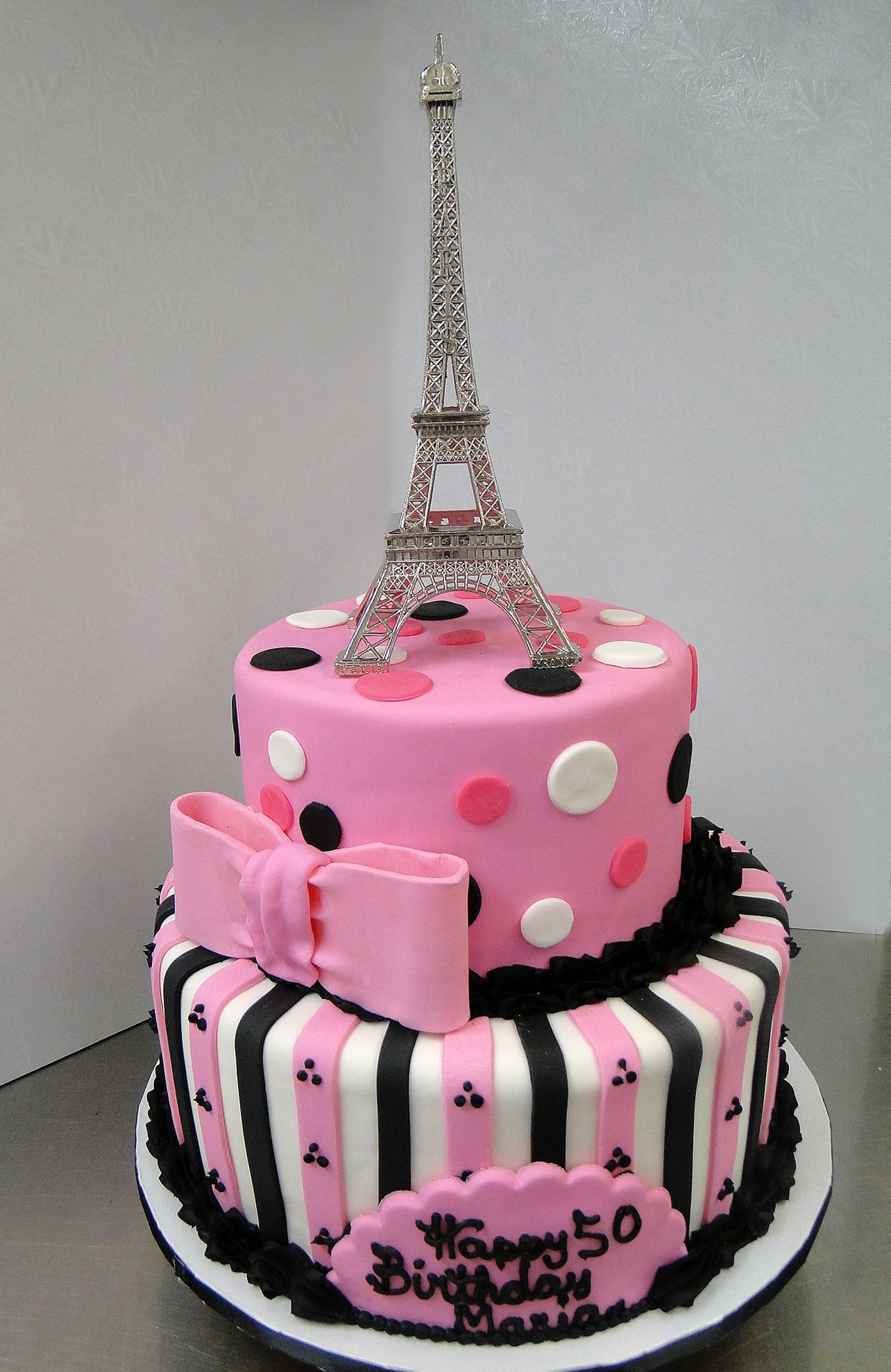 Its Paris In The Springtime With This Eiffel Tower Birthday Cake