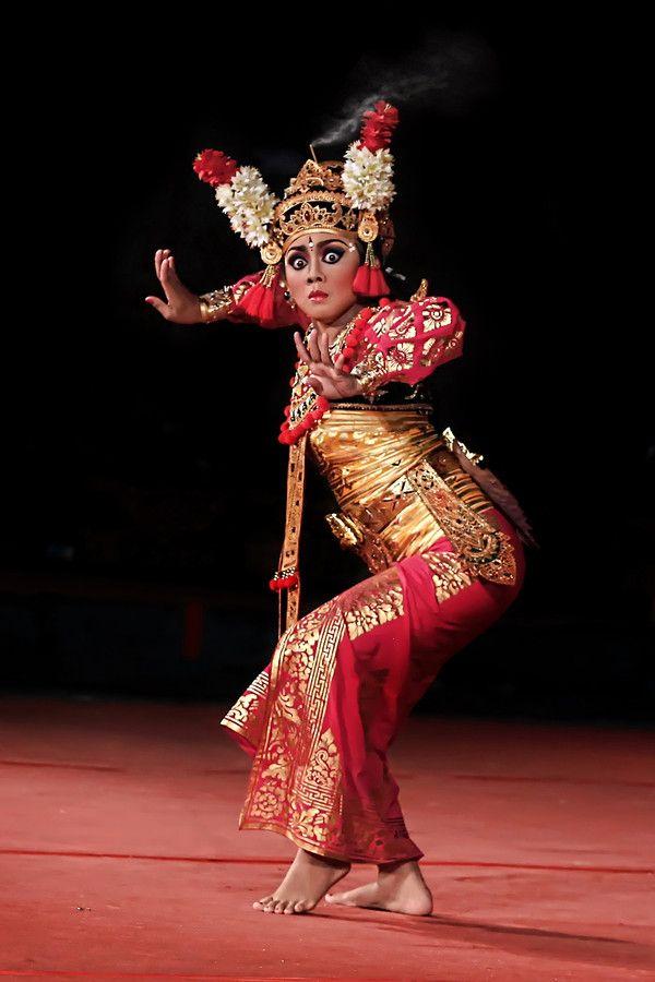balinese dancer people danza