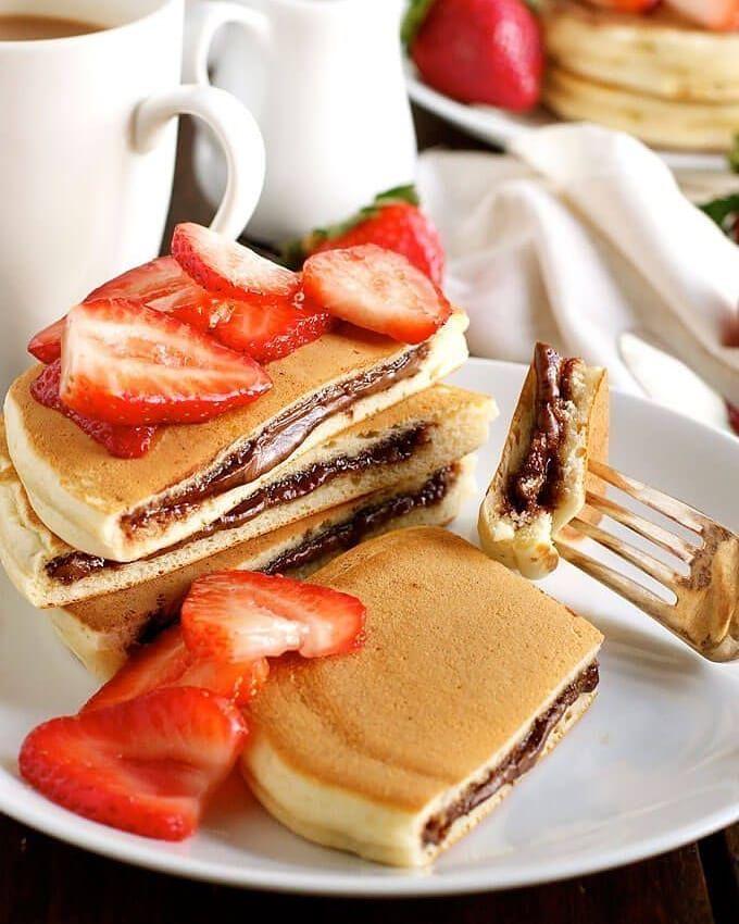 pancakes панкейки блины оладушки с шоколадом клубника завтрак