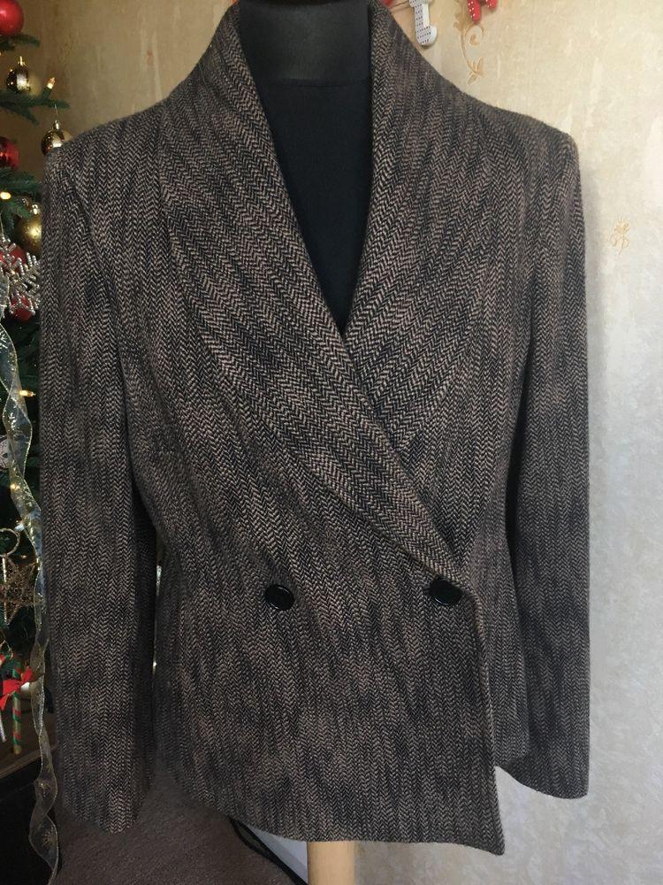 Size 16 Designer JAEGER Ladies Jacket In Immaculate