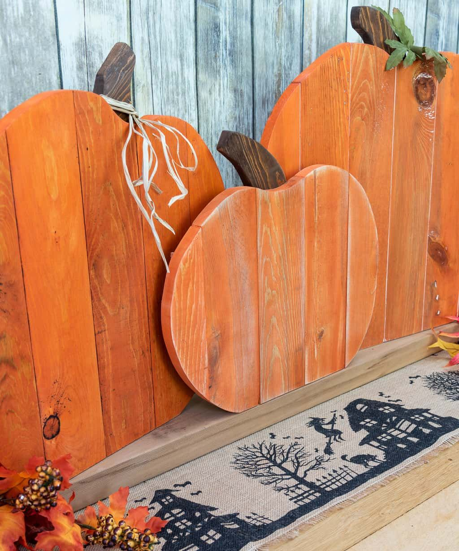 Photo of DIY Pallet Pumpkin Trio