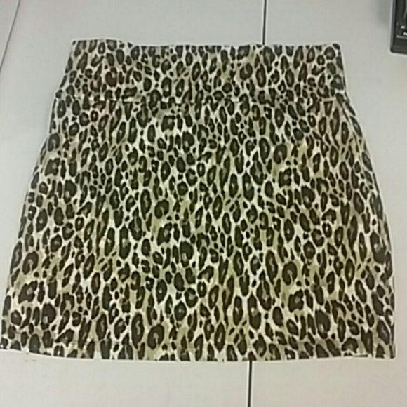 Leopard print Mini skirt NWOT mini Leopard skirt Charlotte Russe Skirts Mini
