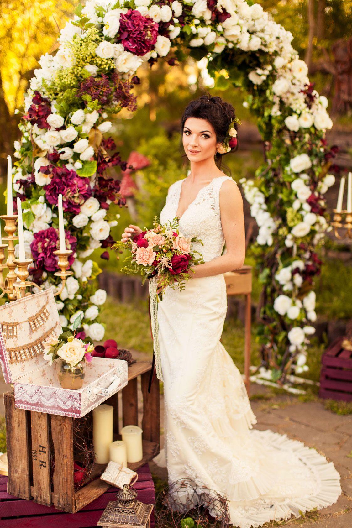 wedding arch, ceremony, flowers, decor, open air , церемония, свадебная арка, невеста, букет невесты, свадебная флористика, украшения невесты
