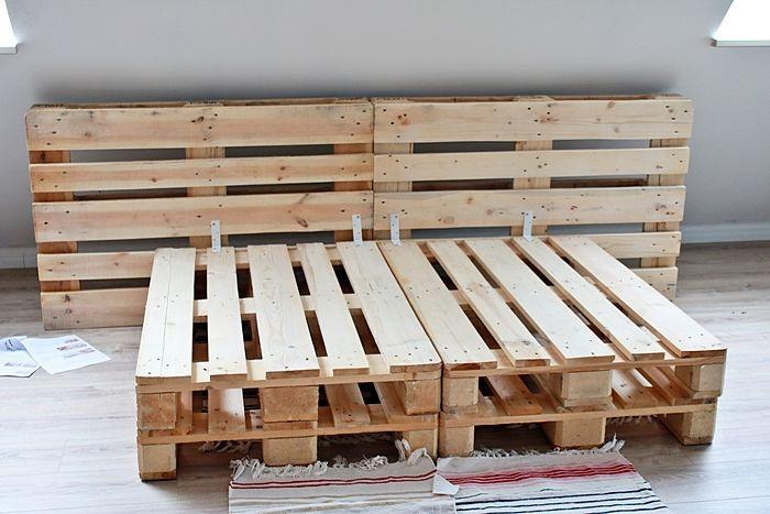 diy palettenbett selber bauen haus und deko pinterest bett palettenbett und diy wohnung. Black Bedroom Furniture Sets. Home Design Ideas