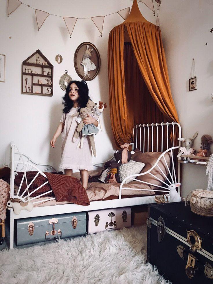 Chez Madame Rose: Traumkinderschlafzimmer, ein Märchen für die kleine Prinzessin! Instagram für Inspiration für Kinderzimmer Dekor würdig. Ikea minnenbett, numero 74, maileg und vieles mehr ... - kinderzimmerideen4.tk | Kinderzimmer Ideen #kidbedrooms