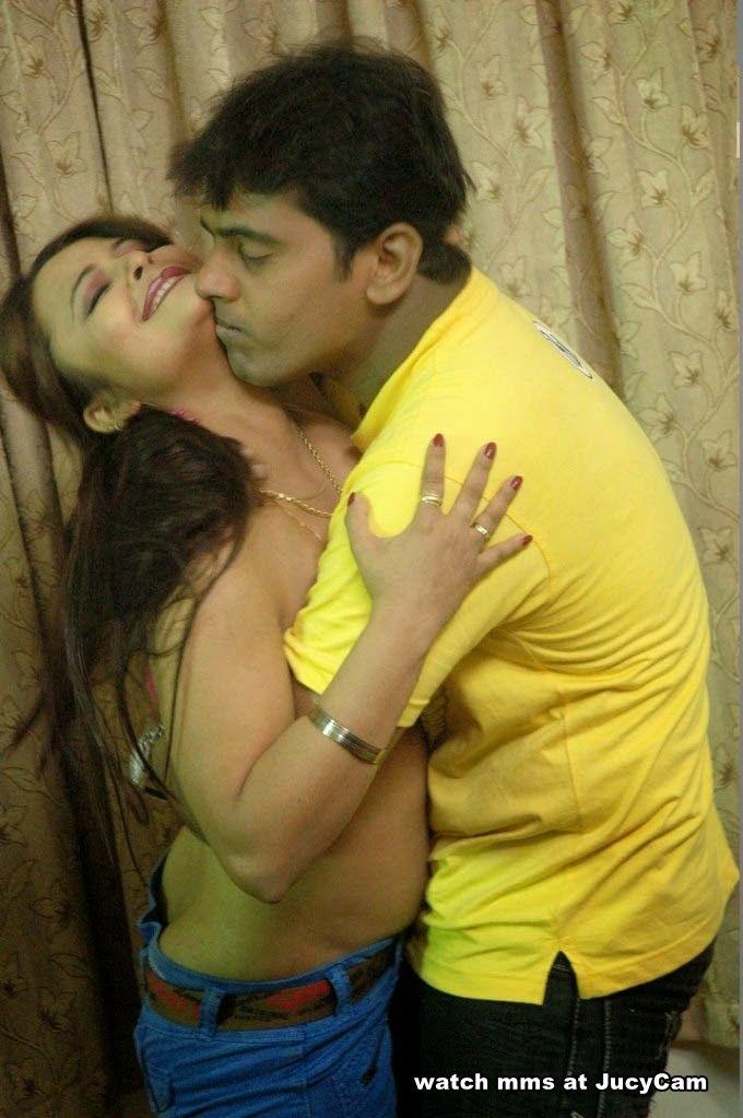 Desi Homemade  Hot Romance, Indian Actress Gallery