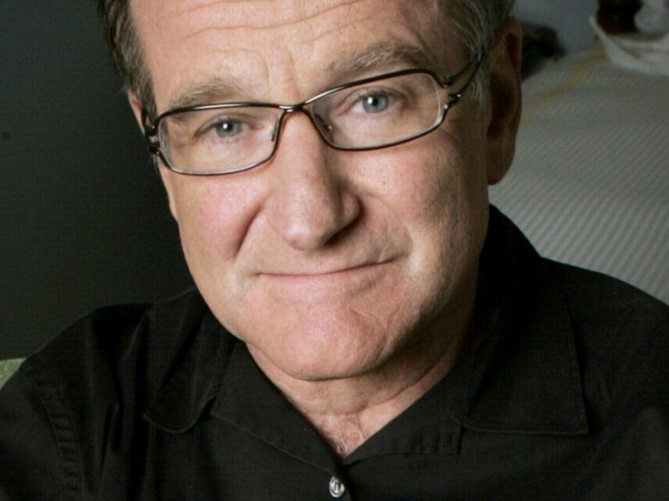 "Robin Williams: ""No matter what people tell you, words and ideas can change the world..."" on Changemakrs.com"