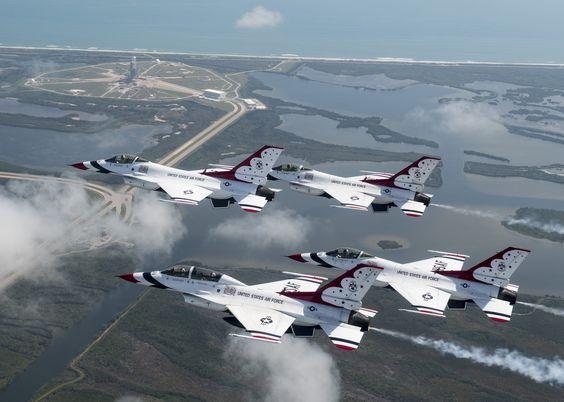 F-16 Fighting Falcon (The Thunderbirds)