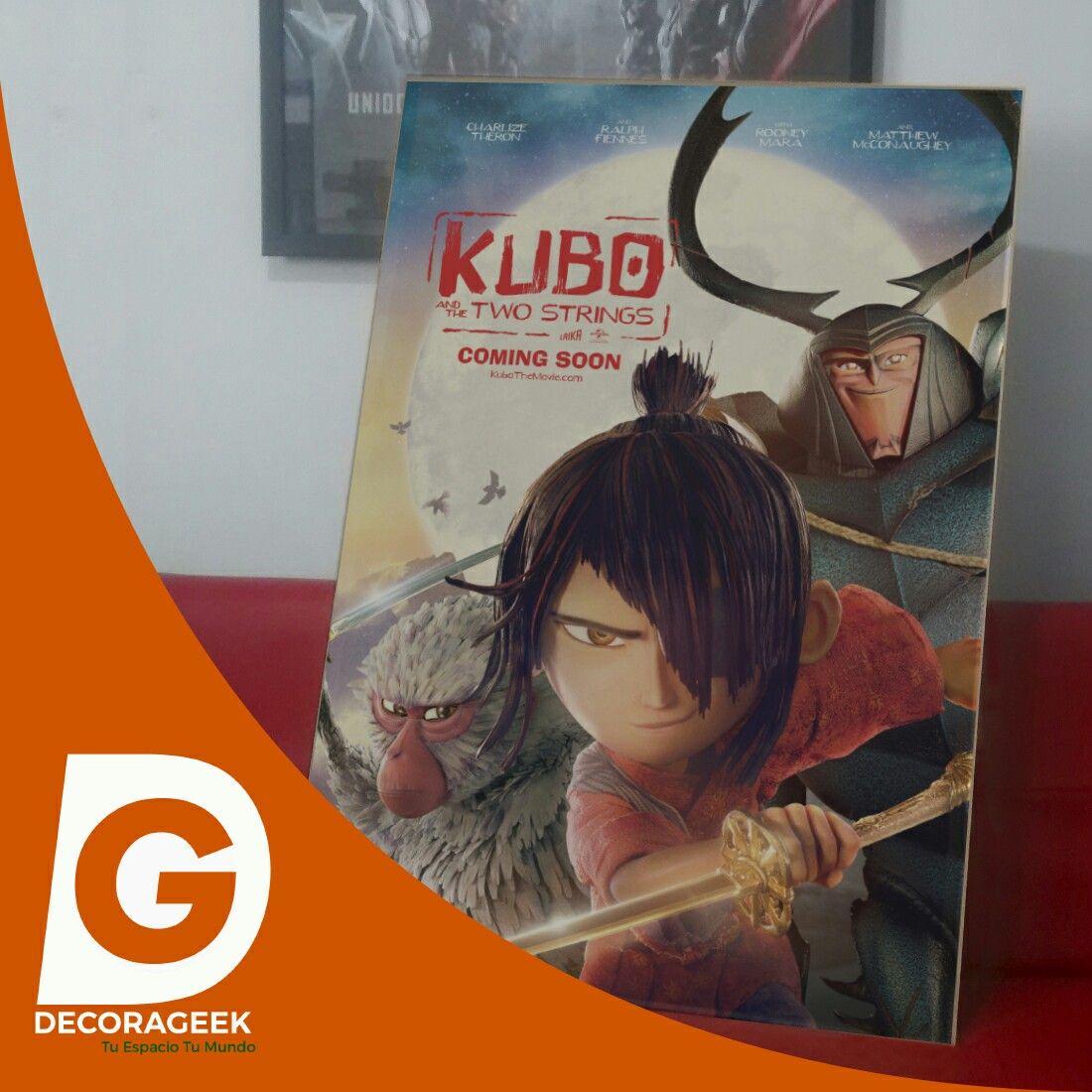 Póster de Cinema Original Lanzamiento KUBO version cinemas de Latinoamerica. Compralo DecoraGeek.com