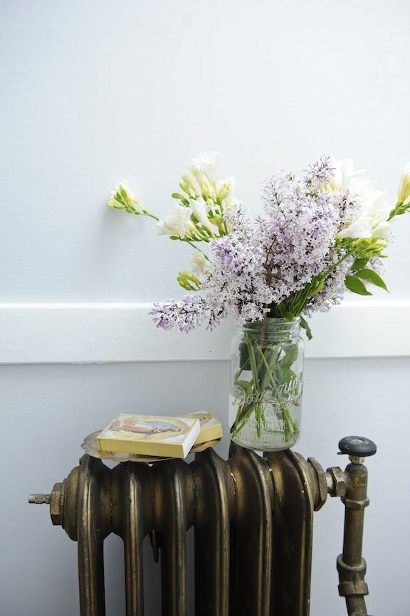 pingl par anne lise lm sur bouquets de fleurs planter des fleurs vieux radiateur et fleurs. Black Bedroom Furniture Sets. Home Design Ideas