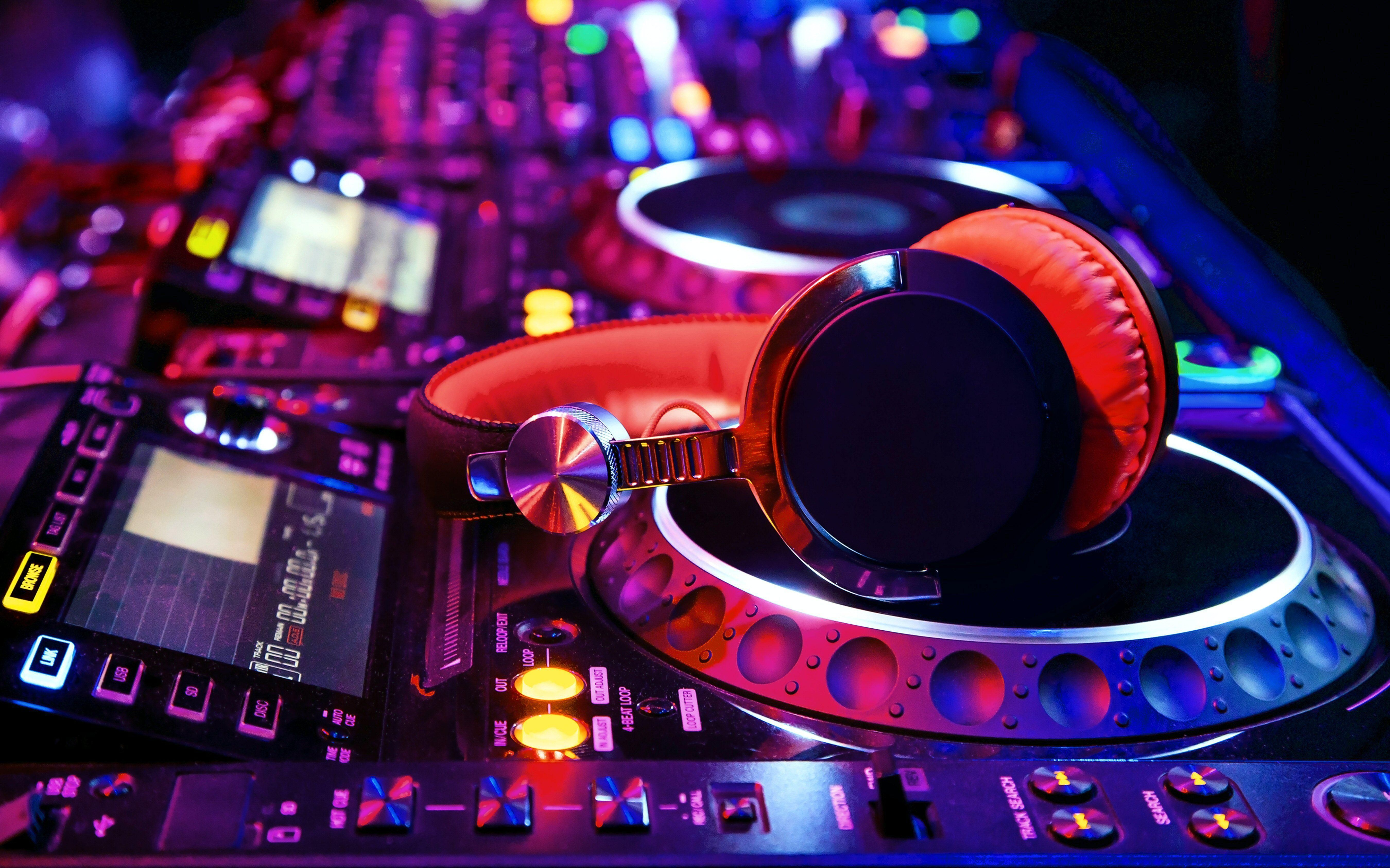 235 Headphones HD Wallpapers | Background Images - Wallpaper