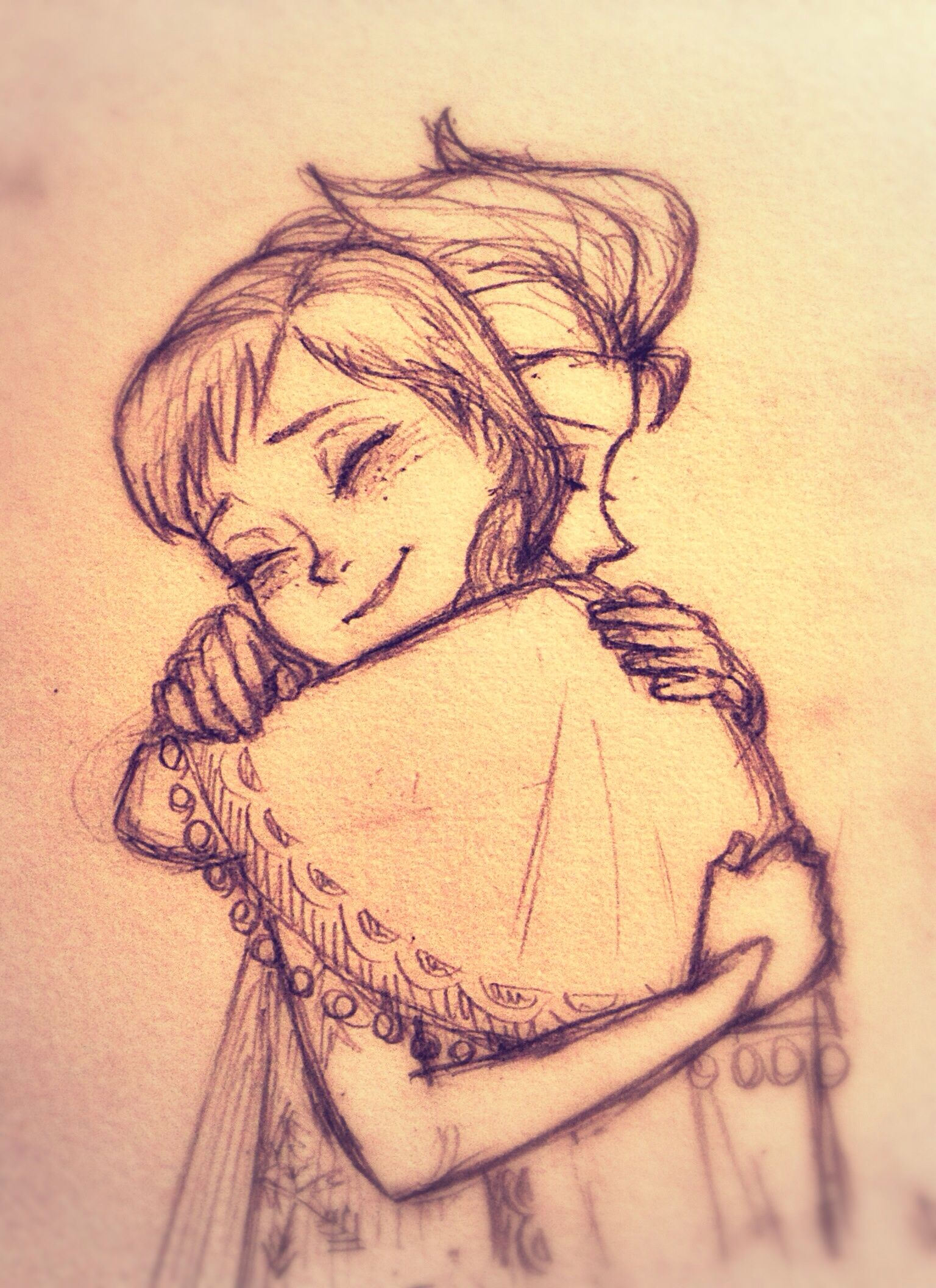 Elsa And Anna Hug The Way Elsa Is Holding Anna Tight Her Hand And Her Expression The Eyes Closed I M In Love With Her Croquis Dessin Croquis Dessin