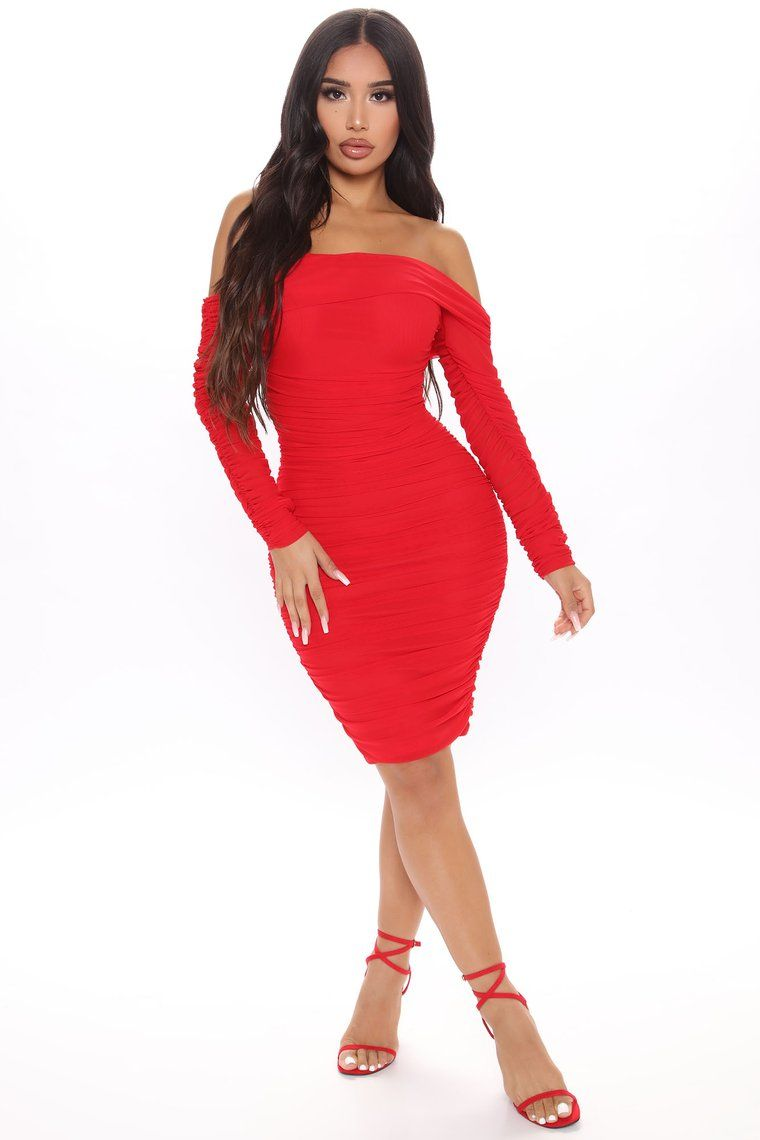 Ready In A Ruched Off Shoulder Midi Dress Red Purple Midi Dress Red Midi Dress Red Dress [ 1140 x 760 Pixel ]