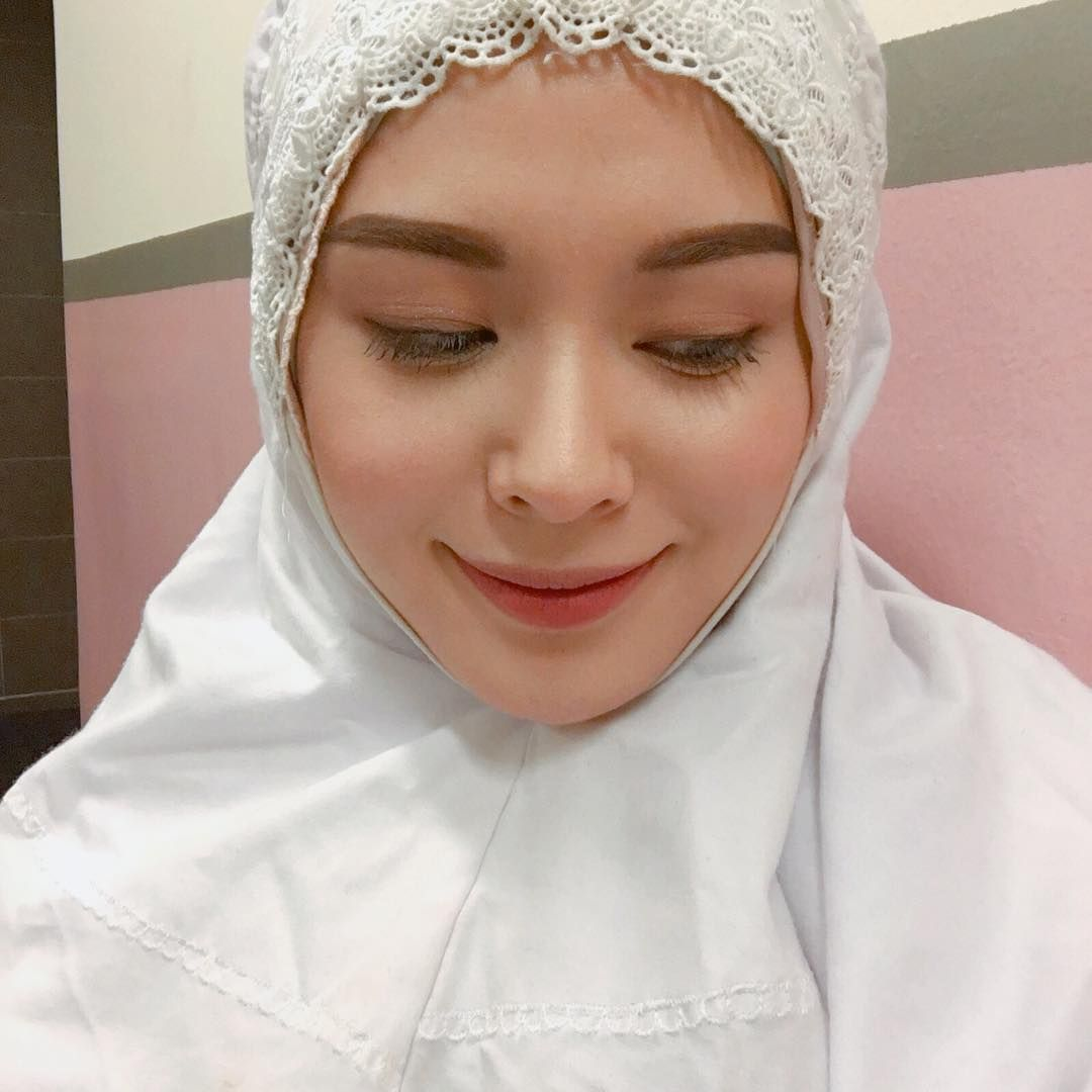 Ayana Jihye Moon Xolovelyayana Di Instagram Time To Go Home It Was A Great Time With My Fav Friends Even At My Fav Zone Klcc I Hope Th Kecantikan Agama