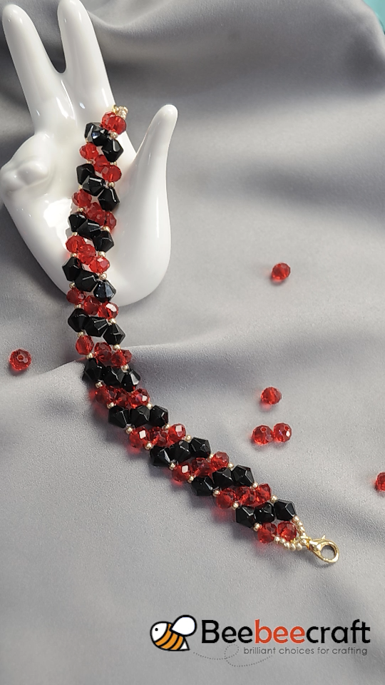 #Beebeecraft double-string #bracelet making with black and red #glass beads
