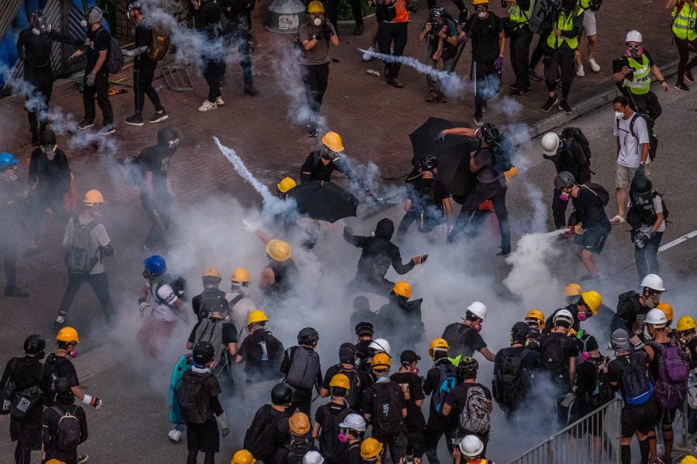 City On Edge Photographs From Hong Kong S Summer Of Protest In 2020 Hong Kong Tsuen Wan Hong
