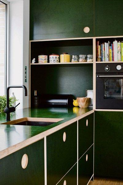 int rieur d co cuisine contemporaine vert sombre a. Black Bedroom Furniture Sets. Home Design Ideas