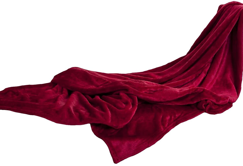 Gozze Kuscheldecke 150x200 Cm Superflauschig Rot In 2020 Kuscheldecke Schlafkissen Flauschig