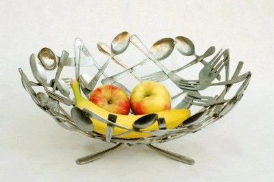 Recycle Forks and Spoons http://myhoneysplace.com/diy-recycle-old-forks-and-spoons/
