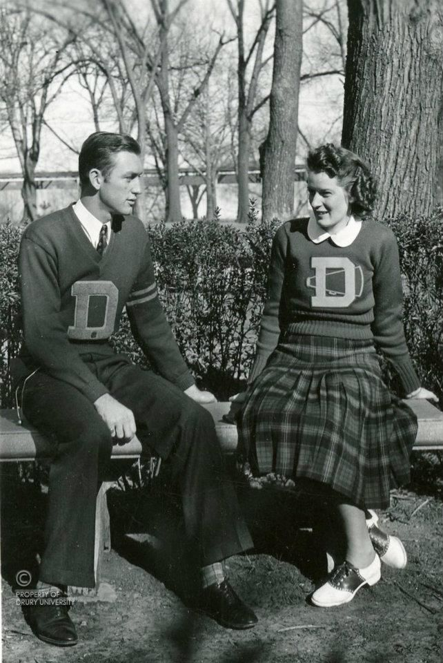Late 1930s Early 1940s Coeds Collegiate Fashion Vintage