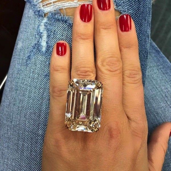 Can An Engagement Ring Ever Be Too Big Jewelry Big