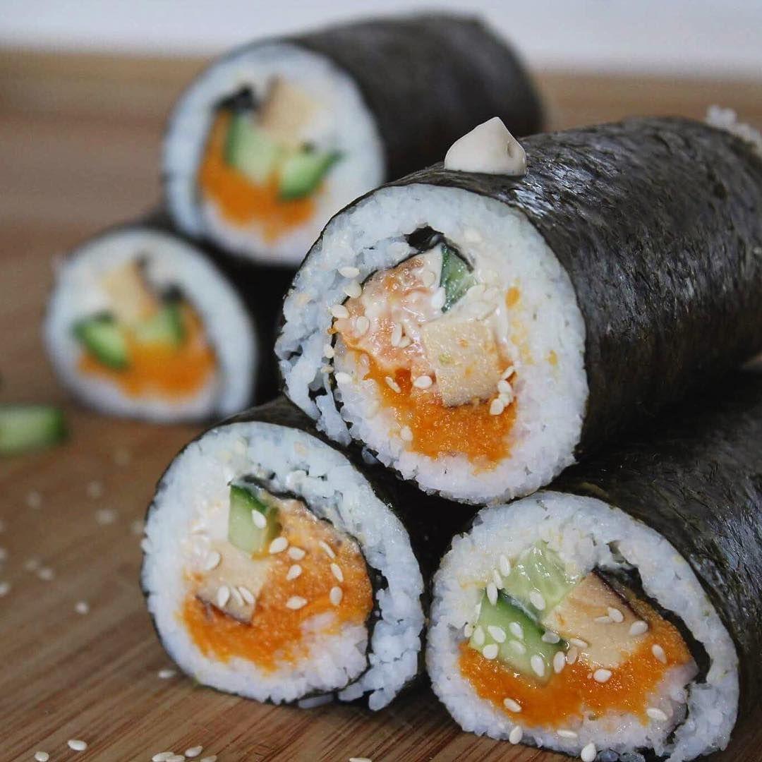 """88 Synes godt om, 10 kommentarer – Caroline 🥕 (@_carrotline_) på Instagram: """"I have made sushi loads of times, but this is definitely the best combination I have made so far😋 I…"""""""