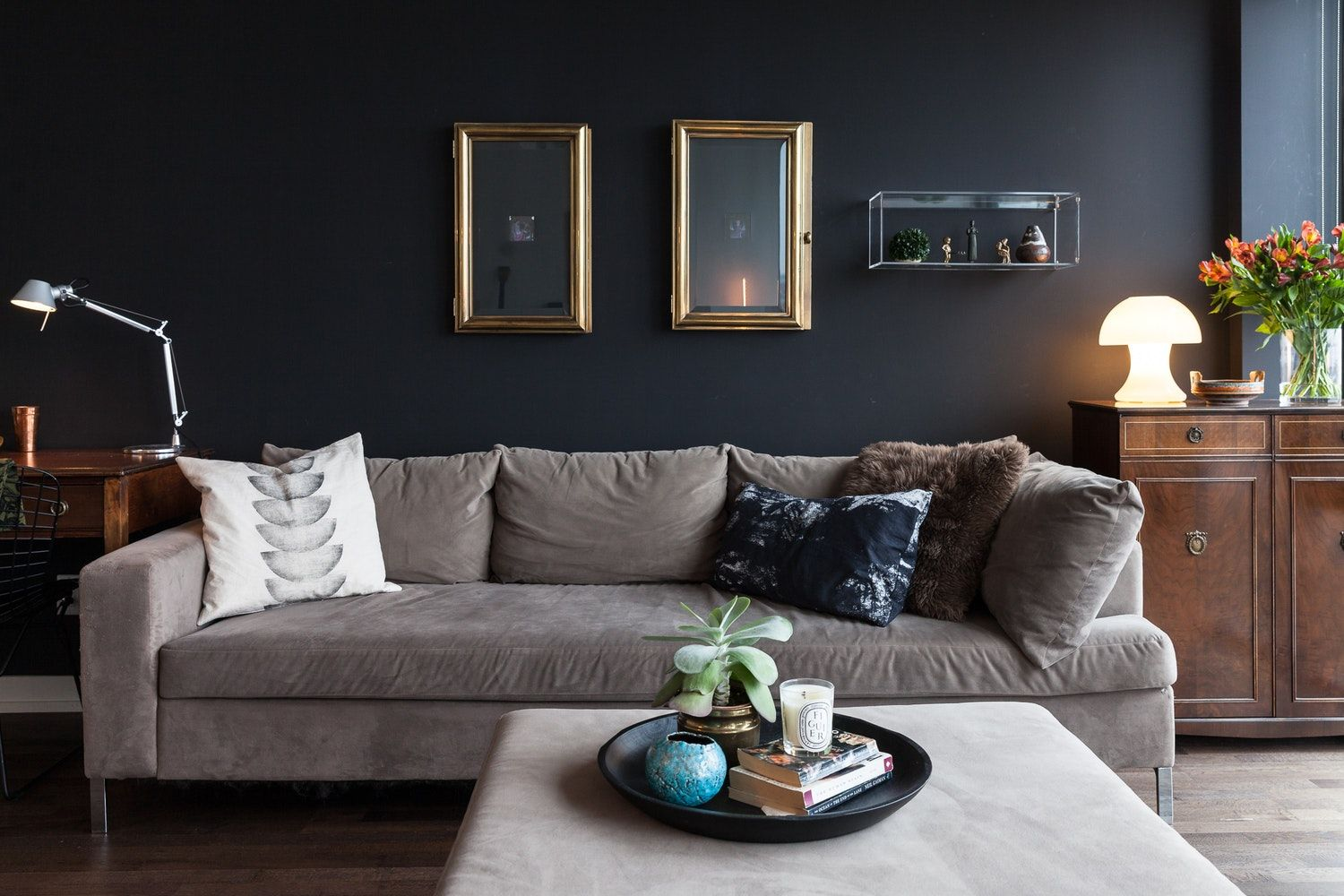 The Top 10 Home Trends For Fall According To Designers Home Remodeling And Decoration Dark Living Rooms Home Decor Trends Living Room Decor