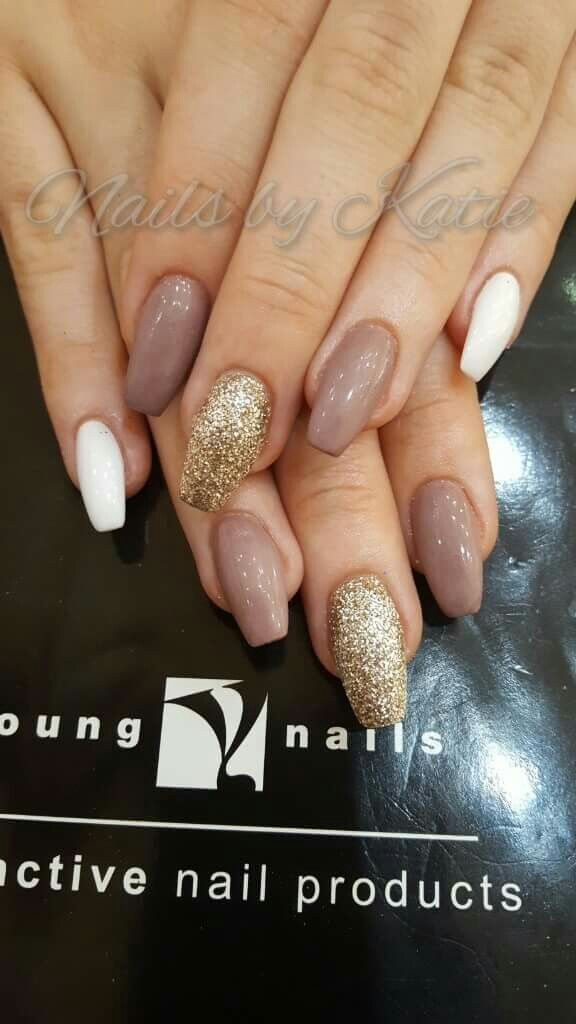 coffinnails #mauve #white #gold #glitter | nail designs | Pinterest