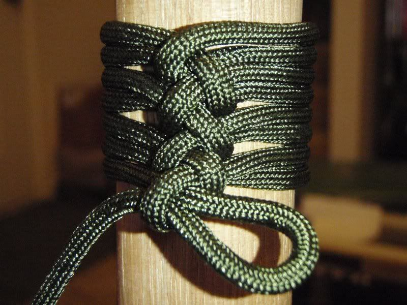 how to make a handle with paracord