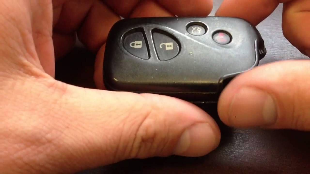 How to replace battery in a Lexus Keyless remote simmilar