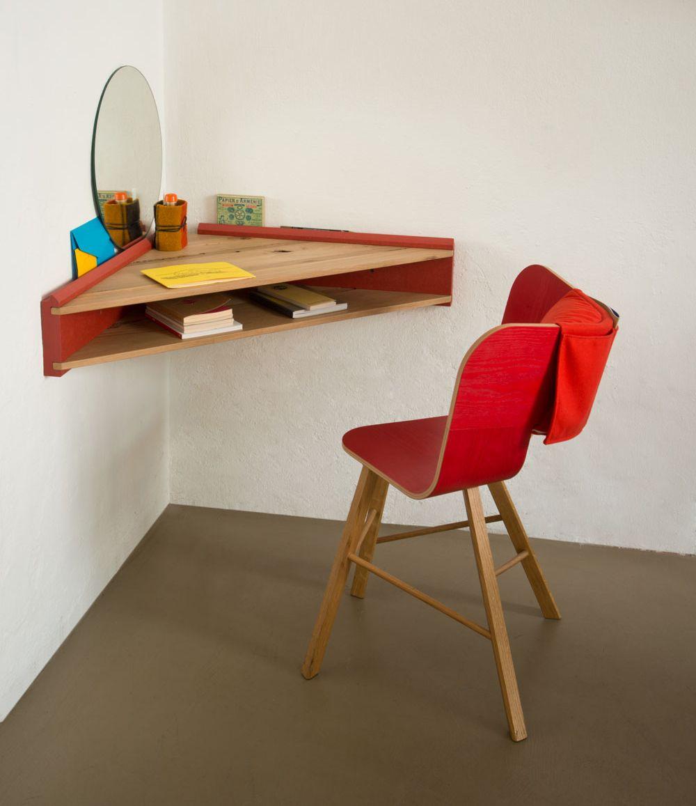 Briccola by col dormitor scrivania in camera da letto for Scaffale da scrivania