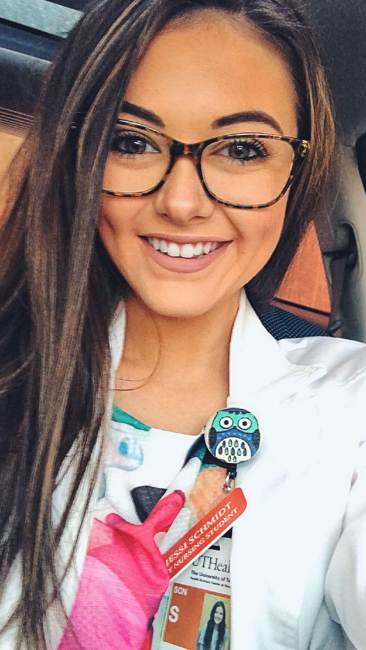 White coat | Nurse outfit scrubs, Beautiful nurse, Nursing fashion
