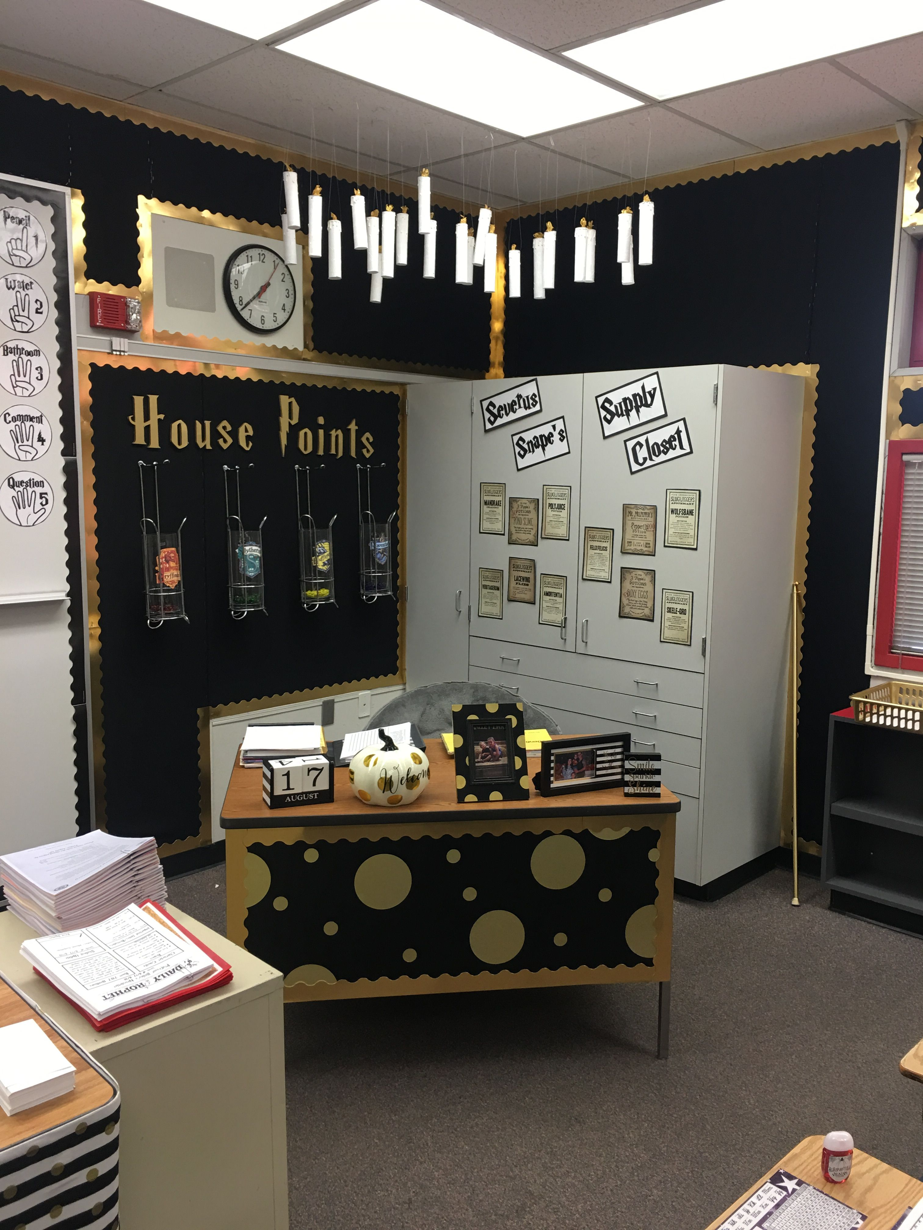 Pin By D K On Harry Potter Themed Classroom Harry Potter Classroom Harry Potter Library Harry Potter Decor